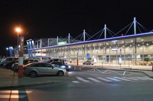 Pyrzowice_Katowice_Airport_noc[1]