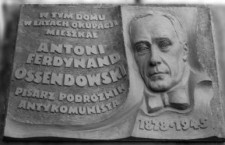 ostendowski_tablica