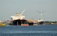 freighter-314454_1280