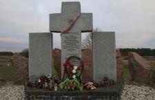Huta_Pieniacka_graveyard